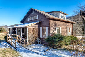 558 Hogskin Valley Rd, Washburn, TN 37888