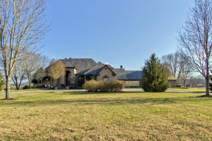 Incredible Lakefront , All Brick Home on Large Dockable Lot