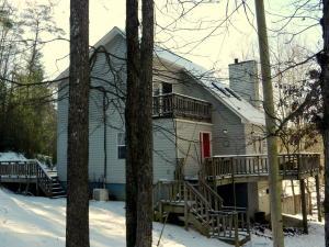3219 Williams Creek Rd, Oneida, TN 37841