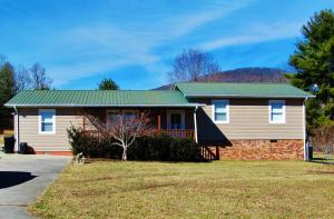 105 Fairview Rd, Harriman, TN 37748
