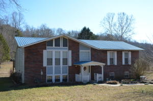 2001 E Wolfe Valley Rd, Heiskell, TN 37754
