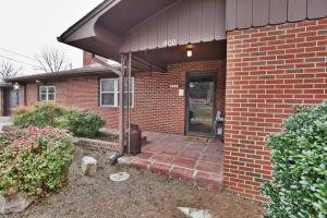 You simply MUST SEE this immaculate, one-owner, all brick ranch home plus apartment on 2.83 level acres.