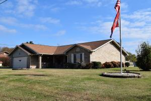 Sevierville ONE level home with over 1/2 acre LEVEL lot