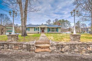 9217 Burchfield Drive, Oak Ridge, TN 37830