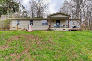 161 Cobb Hollow Rd, Rocky Top, TN 37769