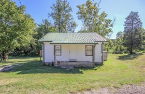 518 Roddy Branch Rd, Rockford, TN 37853