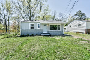 2209 W Glenwood Ave, Knoxville, TN 37917