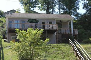 202 Hickory Valley Rd, Maynardville, TN 37807