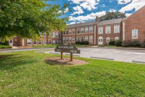 140 E Glenwood Ave, Unit 201, Knoxville, TN 37917