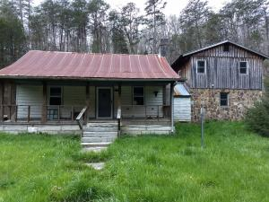 4985 Highway 131, Thorn Hill, TN 37881
