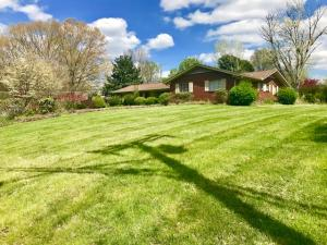 8327 Corteland Drive, Knoxville, TN 37909