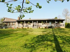 844 Hinkle Estates Dr., Seymour, TN 37865