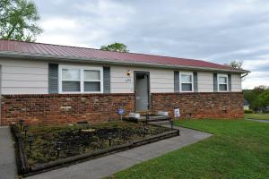 Great Rancher 3BR/1BA and 1 car garage
