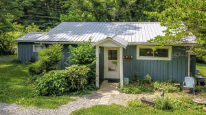 2035 Old Chilhowee Rd, Seymour, TN 37865