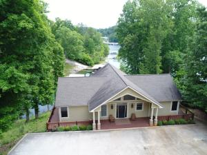765 Deerfield Way, Lafollette, TN 37766
