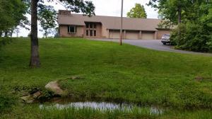683 Wild Plum Dr, Crossville, TN 38555