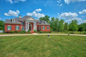 100 Clear Creek Pkwy, Clarkrange, TN 38553