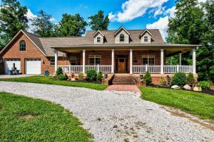 654 Red Cut Rd, Pioneer, TN 37847
