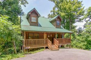2263 Red Bud Rd, Sevierville, TN 37876
