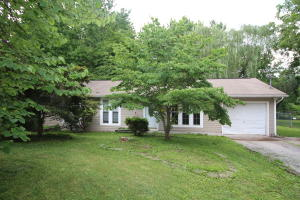 5825 Wooded Acres
