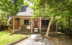 1918 Charles Lewis Way, Sevierville, TN 37876