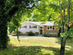 135 Richards Drive, Oliver Springs, TN 37840