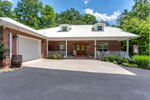 860 Black Fox Rd, Washburn, TN 37888