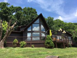 260 Spring Hill Drive, Mountain City, TN 37683