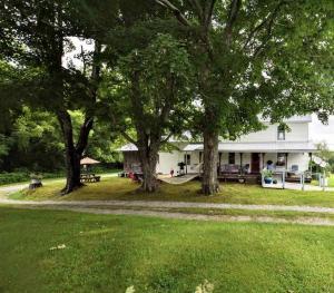 2392 Possum Trot Rd, Grandview, TN 37337