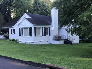 808 Kesterson Rd, Knoxville, TN 37918