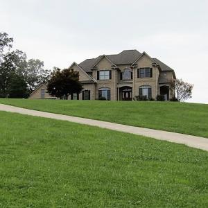 310 Gail Lane, Jacksboro, TN 37757