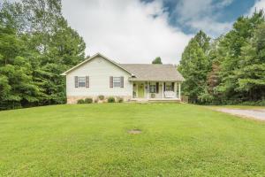338 Gardner Lane, Jacksboro, TN 37757