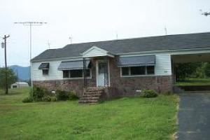 614 Town Creek Rd, Speedwell, TN 37870