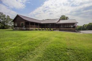101 Club Drive, Loudon, TN 37774
