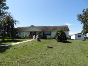 395 Jerry Edmonds Rd, Crossville, TN 38572