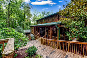 3454 Robeson Rd, Sevierville, TN 37862
