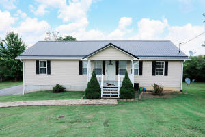 183 S Burress Lane, Jacksboro, TN 37757