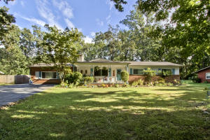 All One Level Ranch in Popular West Hills