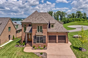 15260 Lighthouse Pointe Drive, Lenoir City, TN 37772