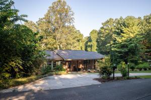 1317 Smoky Mountain View Drive, Seymour, TN 37865
