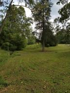 Beautiful acreage, lays perfect. Great development opportunity