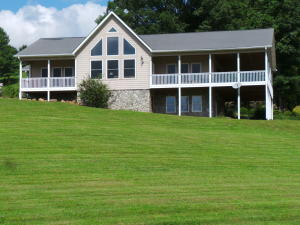 916 Swift Hollow Rd, Mountain City, TN 37683