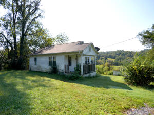 2024 Smith School Rd, Strawberry Plains, TN 37871