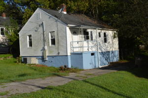INVESTORS, great rental property! Or FIRST TIME home buyers, this cute 2 Br/1Ba home is located in the popular SoKno neighborhood in S. Knoxville. Featuring original hardwoods, newer roof, gutters & kitchen floors. New ceiling fans. All appliances stay (even the washer & dryer) Great location close to downtown, several breweries & coffee shops. Suttree Landing Park is nearby on the TN River. Several biking trails & green ways nearby. The fenced in backyard is an added bonus if you have animals or children. Stand up crawl space for storage. INVESTORS SPECIAL, 2 rental properties at a discounted price (3254 Sutherland Ave). Call list agent for details/price. Sutherland currently rented. Call for details.