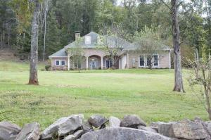 1585 W Dumplin Valley Rd, Dandridge, TN 37725