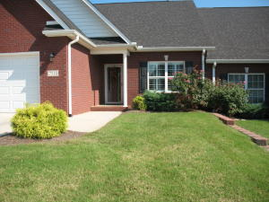 All Brick, Maint free. Gated Subdivision in Karns