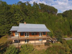 109 Valley View, Tellico Plains, TN 37385