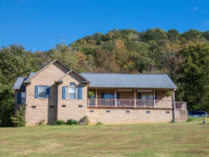 202 E Raccoon Valley Drive, Heiskell, TN 37754