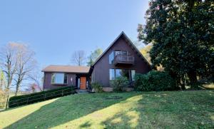 341 E Chestnut Hill Rd, Townsend, TN 37882