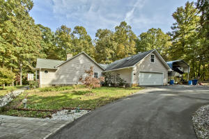 6741 E Town Creek Rd, Lenoir City, TN 37772